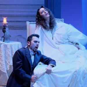Rinasce il Chiabrera con una grande Traviata