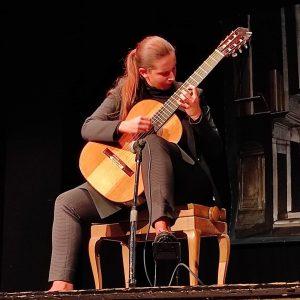 """Teatro della Gioventù, le """"corde virtuose"""" di Carlotta Dalia incantano il pubblico del Paganini Genova Festival"""