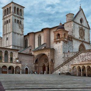 Read more about the article Il Carlo Felice ad Assisi con Andrea Bocelli