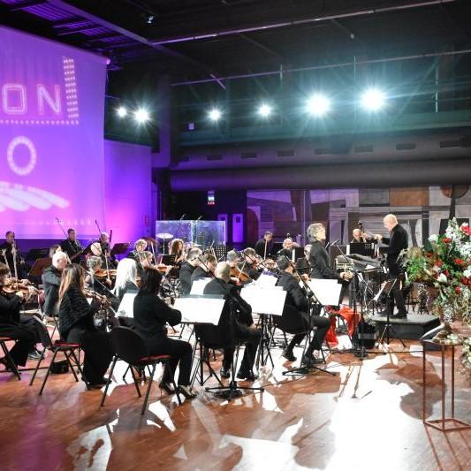 """Read more about the article Teatro Ariston, a Sanremo il """"Concerto delle Feste"""" è in streaming"""