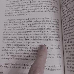 """Read more about the article Al """"Piano nobile"""" di Simonetta Agnello Hornby tra affetti e musica"""