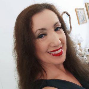 """Read more about the article """"Ridendo, quindi sul serio"""": luglio alla Feltrinelli inizia con Elisabetta Violani"""