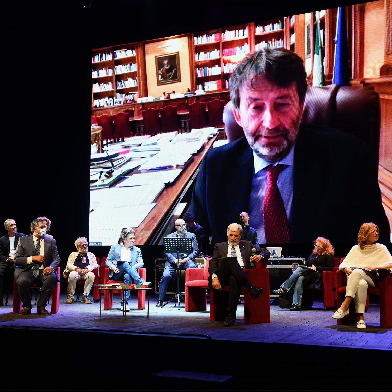 Read more about the article Teatro Nazionale: il cartellone fra G8 e impegno per lo sviluppo sostenibile